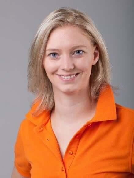 Zahnarzt Wien - Dr. med. Frühwirth - Frau Conny